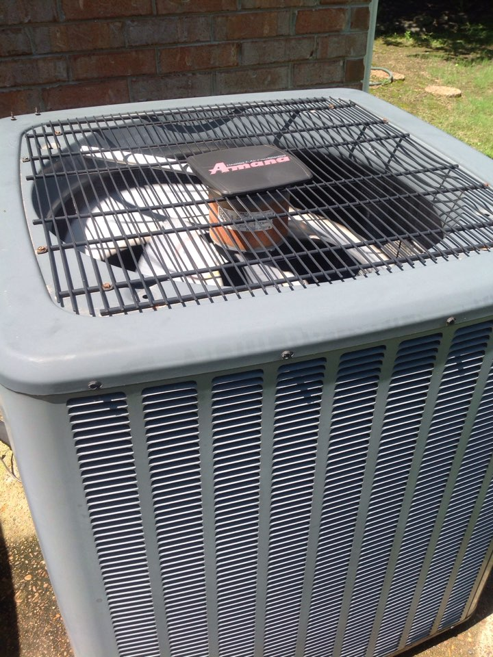 Oakland, TN - AC service call and repair on Amana air conditioner.