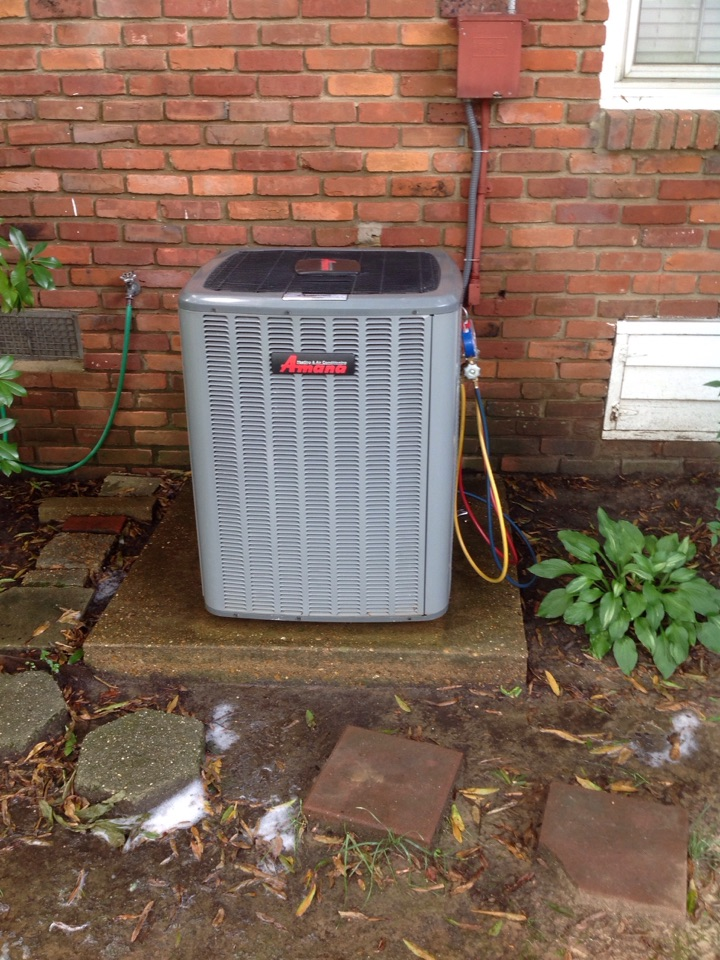 Horn Lake, MS - AC tune up and cleaning on an Amana system