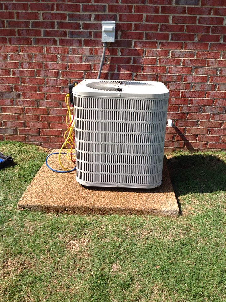 Arlington, TN - AC TUNE UP ON GOODMAN SYSTEM, UNDER MEMBERSHIP.