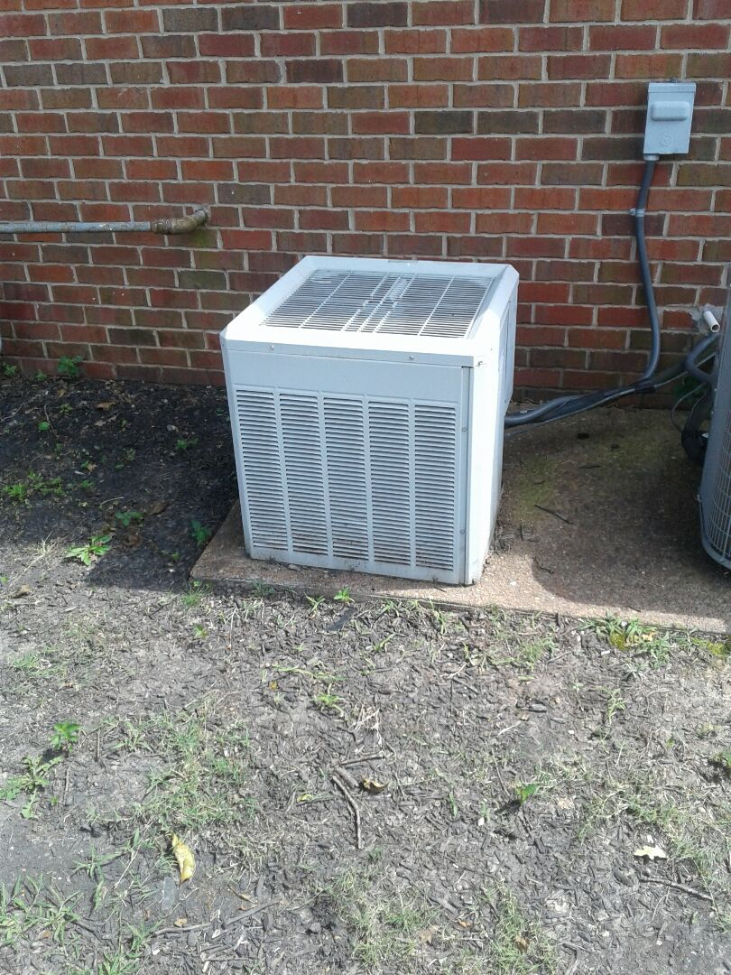 Oakland, TN - Check and service on upstairs ac system