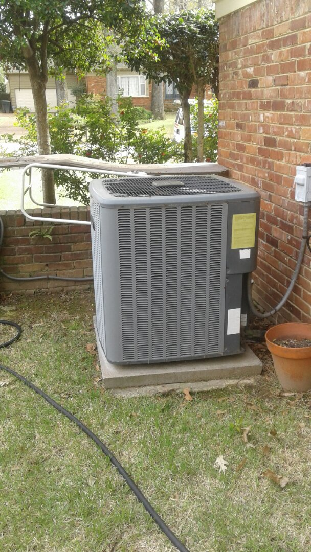 Germantown, TN - Cleaning and service on ac system.