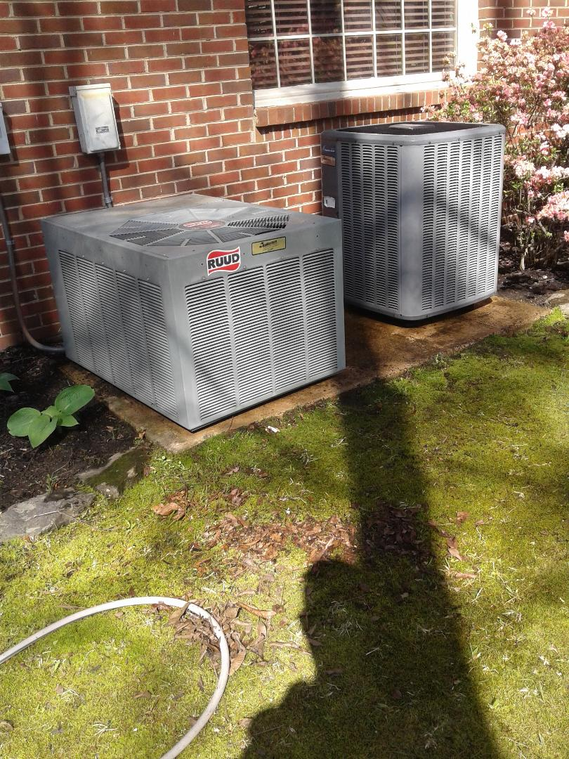 Lakeland, TN - Tune-up on Amana and Ruud air conditioners