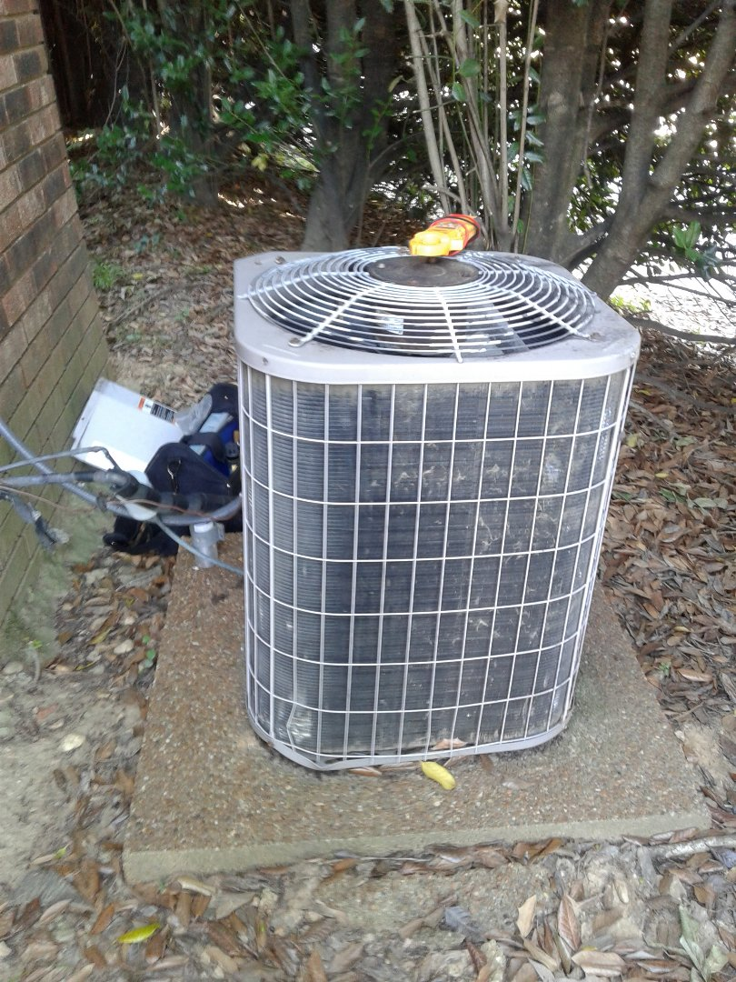 Lakeland, TN - Service call on Carrier Air Conditioner