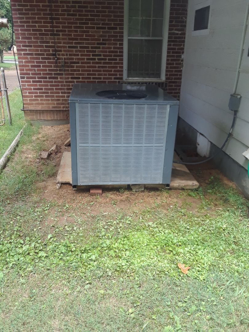 Memphis, TN - AC TUNE UP ON AMANA SYSTEM, UNDER MEMBERSHIP.