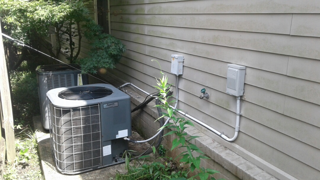Memphis, TN - Replacing disconnect for condenser