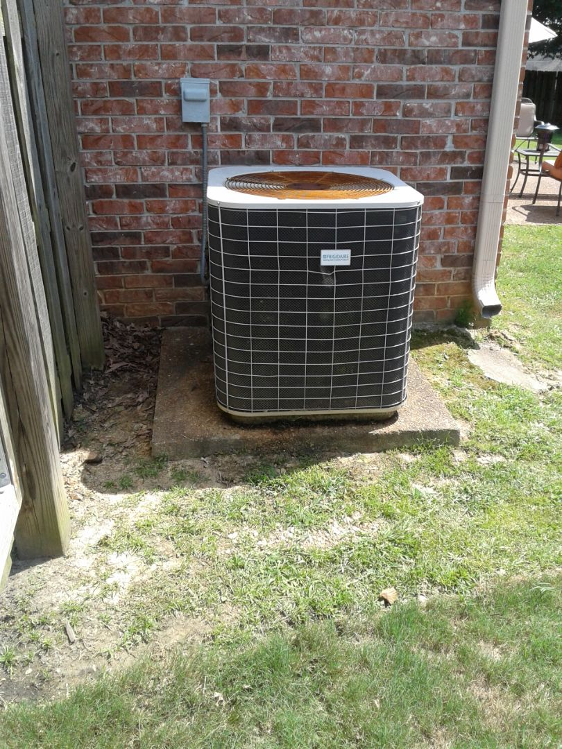 Oakland, TN - Compressor is over amping. Recommend replacement of ac.