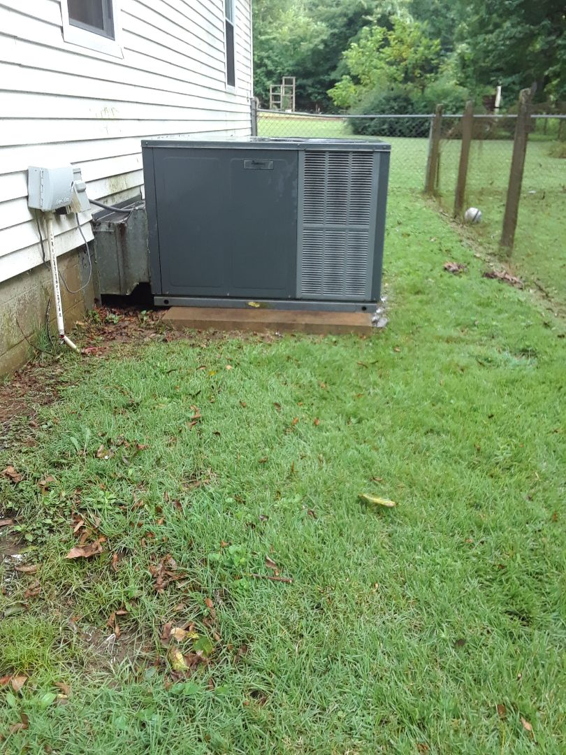 Collierville, TN - AC TUNE UP ON AMANA SYSTEM, UNDER MEMBERSHIP.