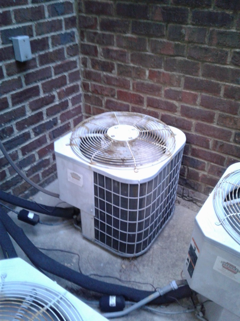 Germantown, TN - Ac low on freon