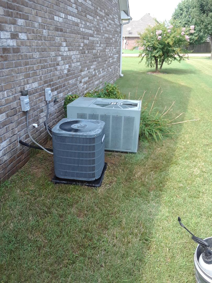 Atoka, TN - AC TUNE UP ON GOODMAN SYSTEM AND RUUD SYSTEM, UNDER MEMBERSHIP.