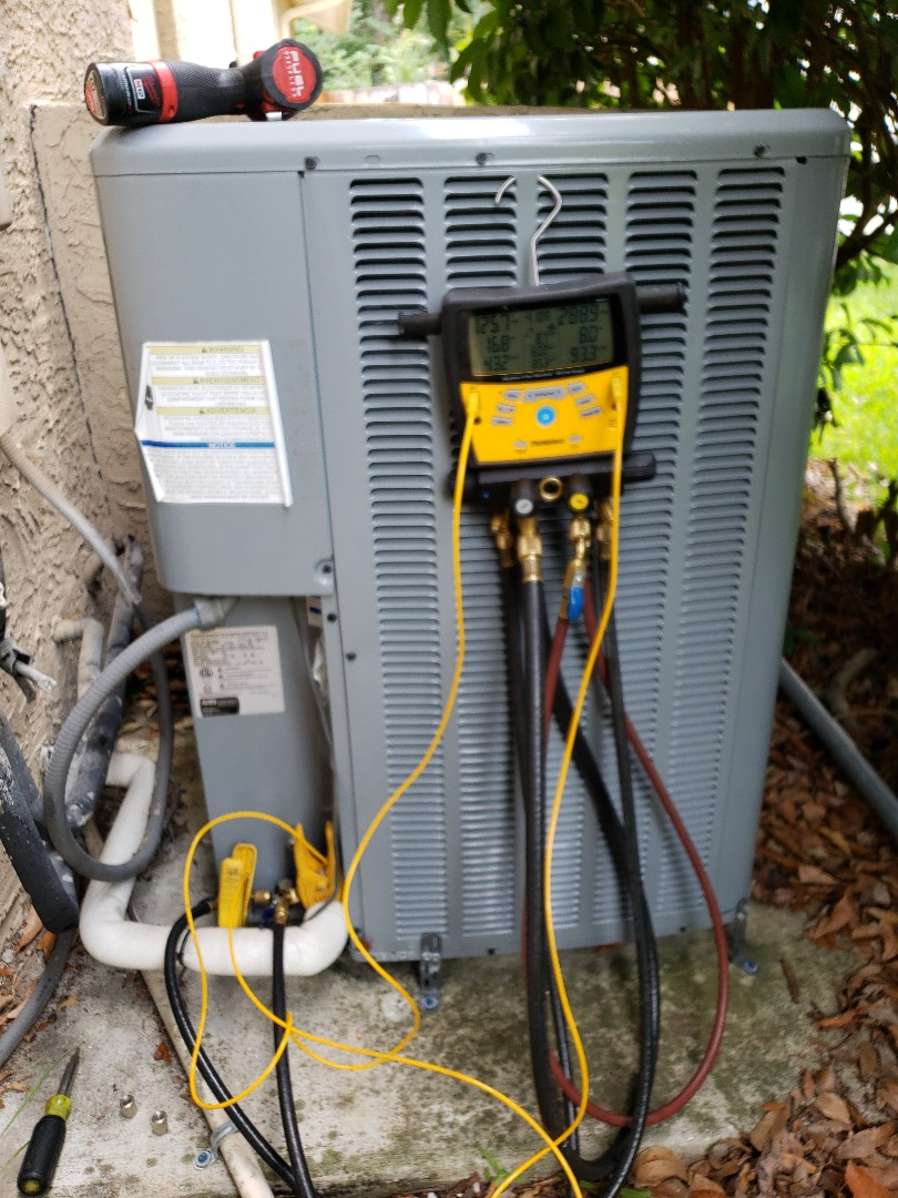Palm Harbor, FL - Performed tune up on a DAIKIN HEAT PUMP SYSTEM