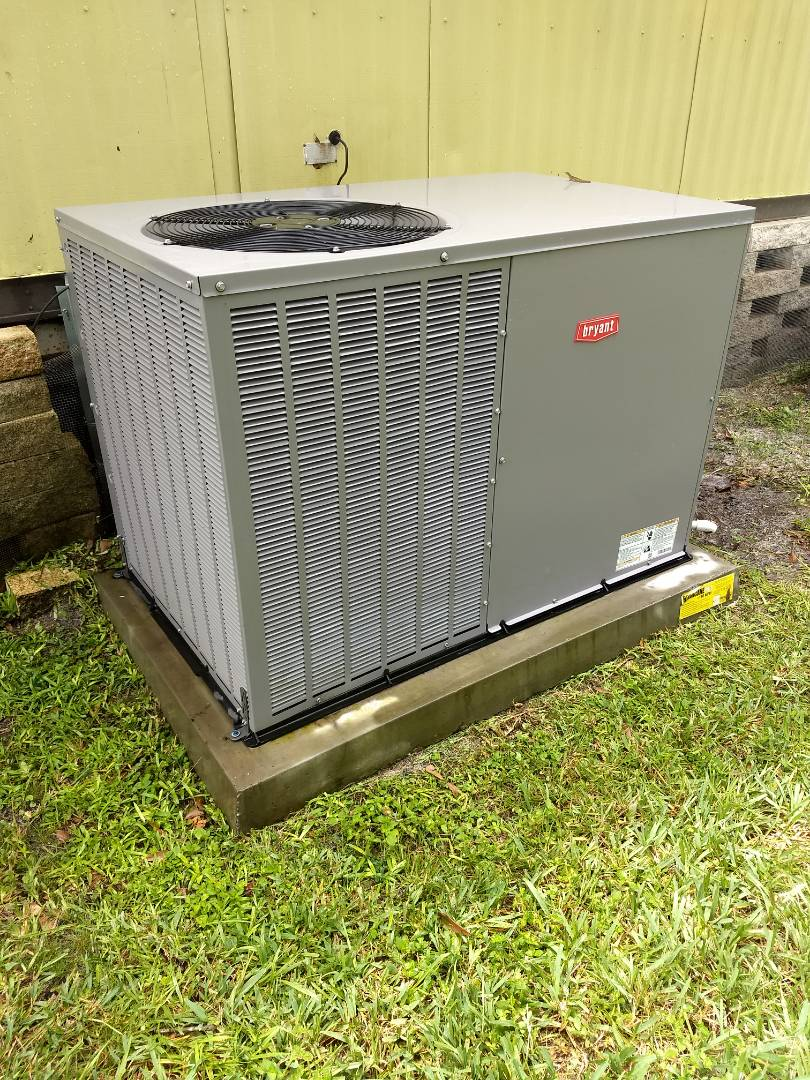 New Port Richey, FL - Maintenance and tune-up of Bryant package unit AC system.