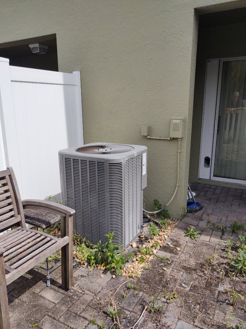 Trinity, FL - Diagnostics on lennox air conditioning system