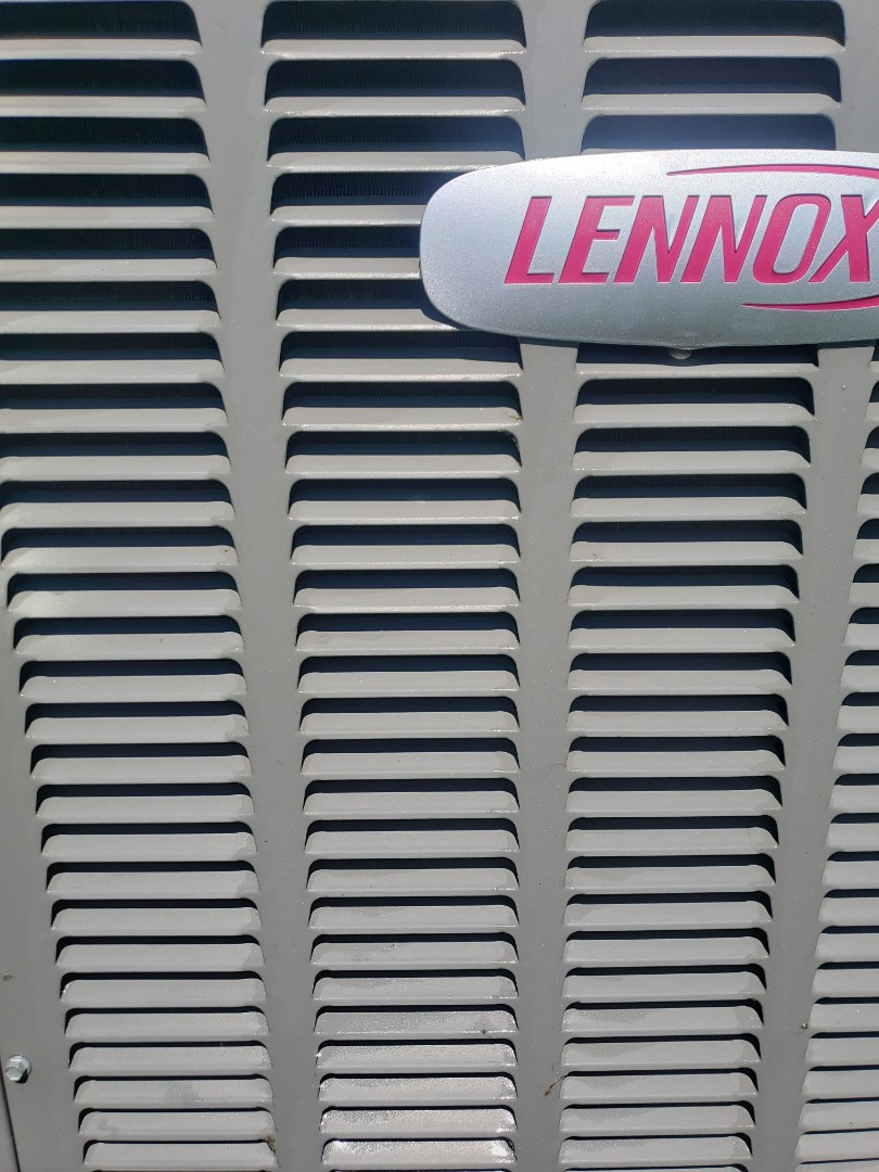 Riverview, FL - PERFORMED TUNE UP ON A LENNOX HEAT PUMP SYSTEM