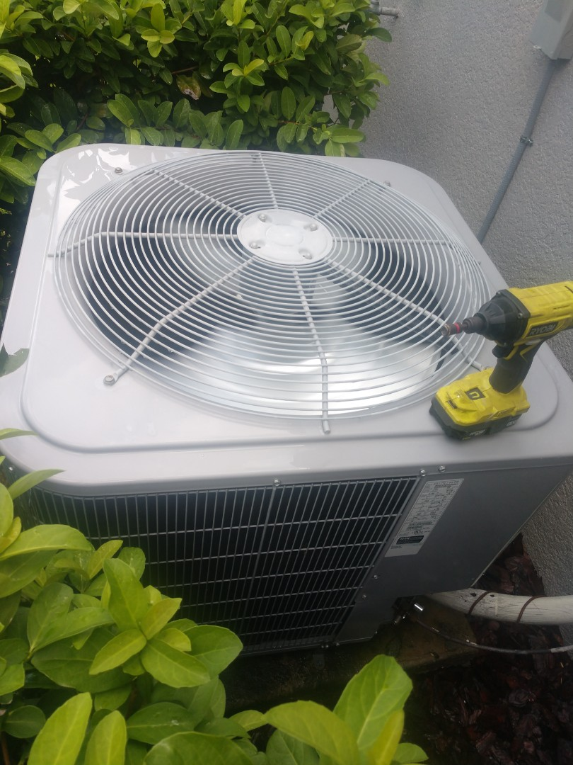 Lithia, FL - Maintaince on carrier air conditioning system