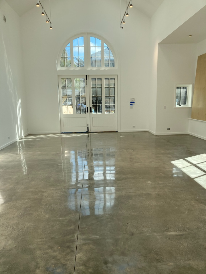 Roswell, GA - Polished concrete to 800 grit on this concrete polish Job Near Roswell Georgia