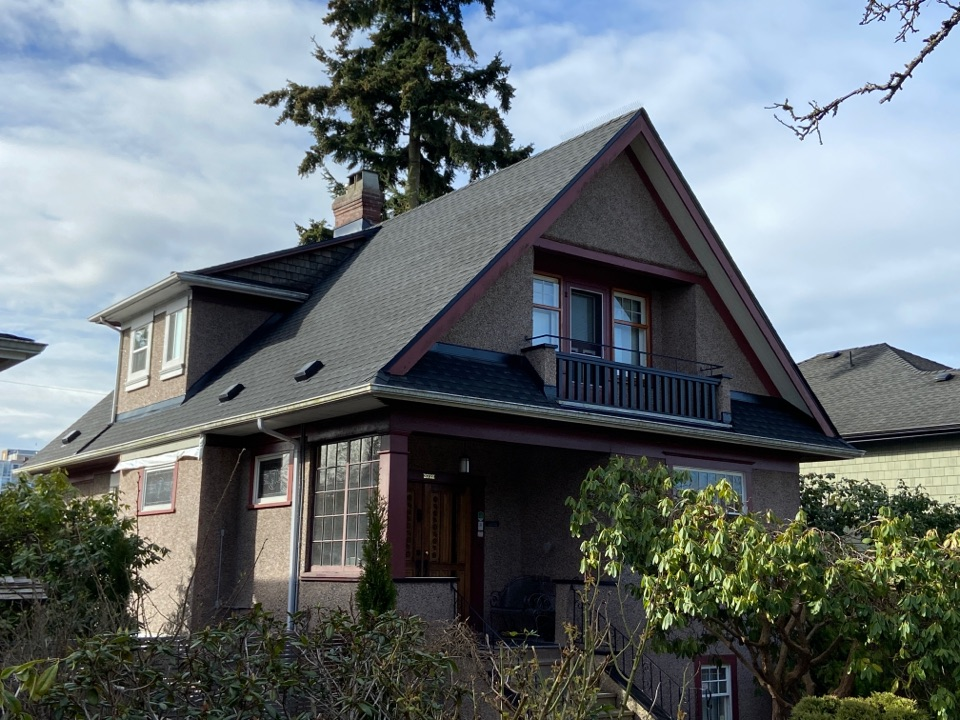 Vancouver, BC - Roof replacement and repair in Vancouver. Spring is here, time to roof! Lifetime roofing systems. Call us today for a free estimate. www.crownroofingltd.com