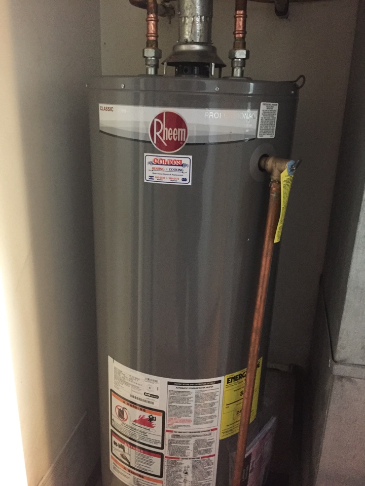 rheem water heater 40 gallon. replaced leaking kenmore (sears) water heater. installed rheem 40 gallon heater n