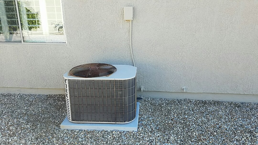 Litchfield Park, AZ - Installation of New American Standard Rooftop Packaged Heat Pump System.