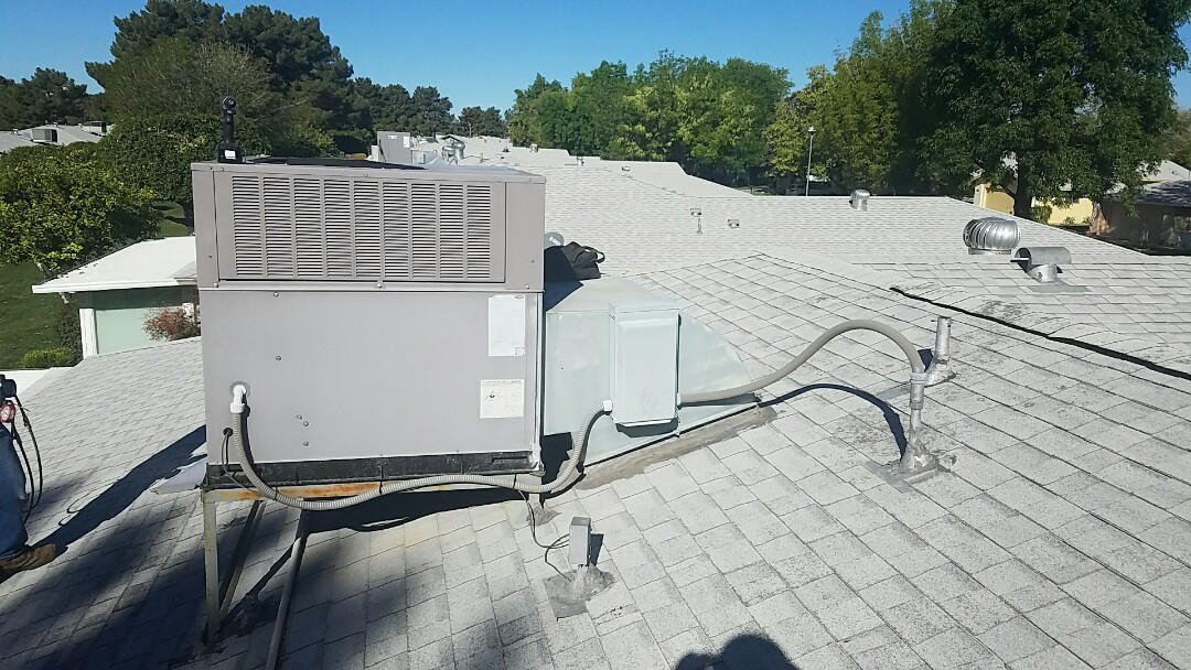 Sun City West, AZ - Cooling Maintenance for Carrier Rooftop Packaged HP System.