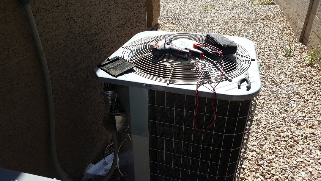 Surprise, AZ - Diagnostics on Carrier air conditioning system.