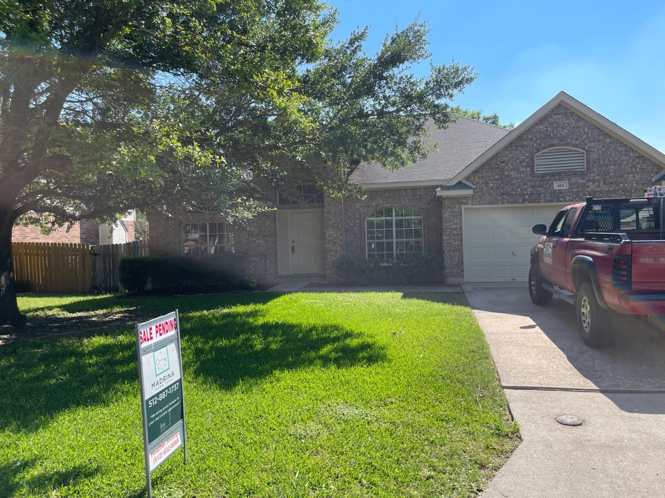Georgetown, TX - Performing a roof inspection