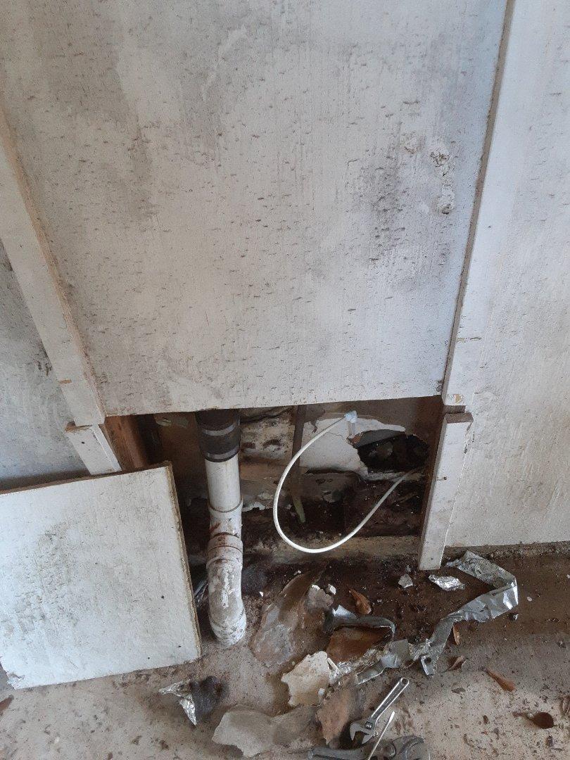 Mobile, AL - Plumbing service on water leaks in Mobile Ala