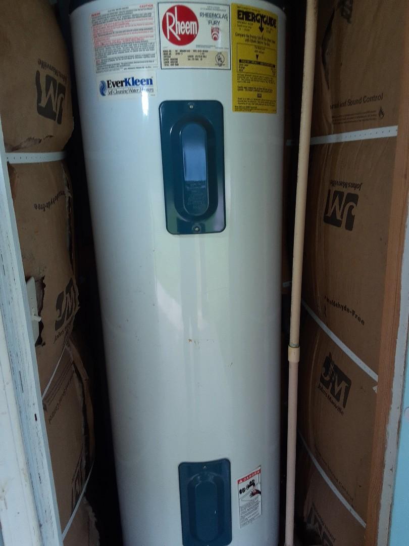 Theodore, AL - Water heater leak in Theodore Ala