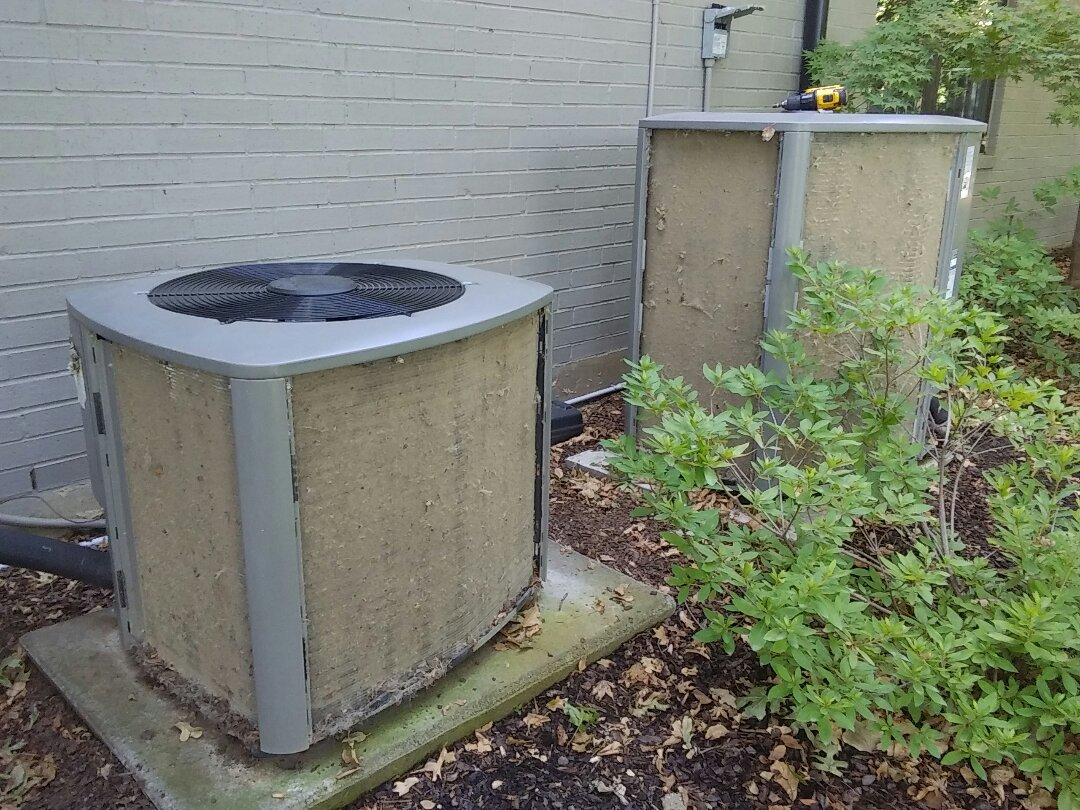 Plano, TX - Maintenance and cleaning a Lennox air conditioner