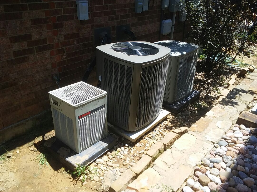 Flower Mound, TX - Maintenance on Lennox and Trane air conditioner.
