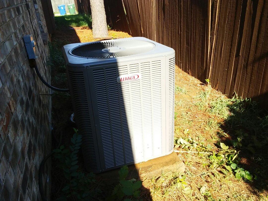 Flower Mound, TX - Maintenance on a Lennox air conditioner