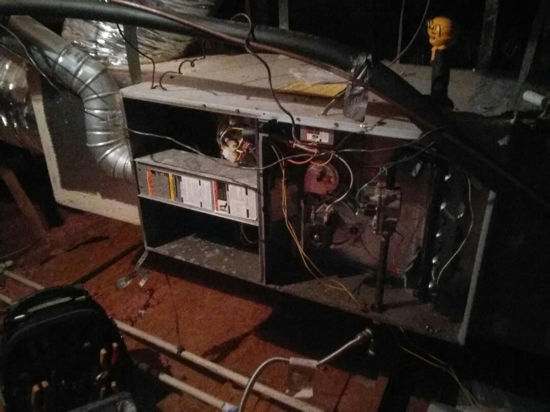 Flower Mound, TX - Winter maintenance on a Carrier furnace