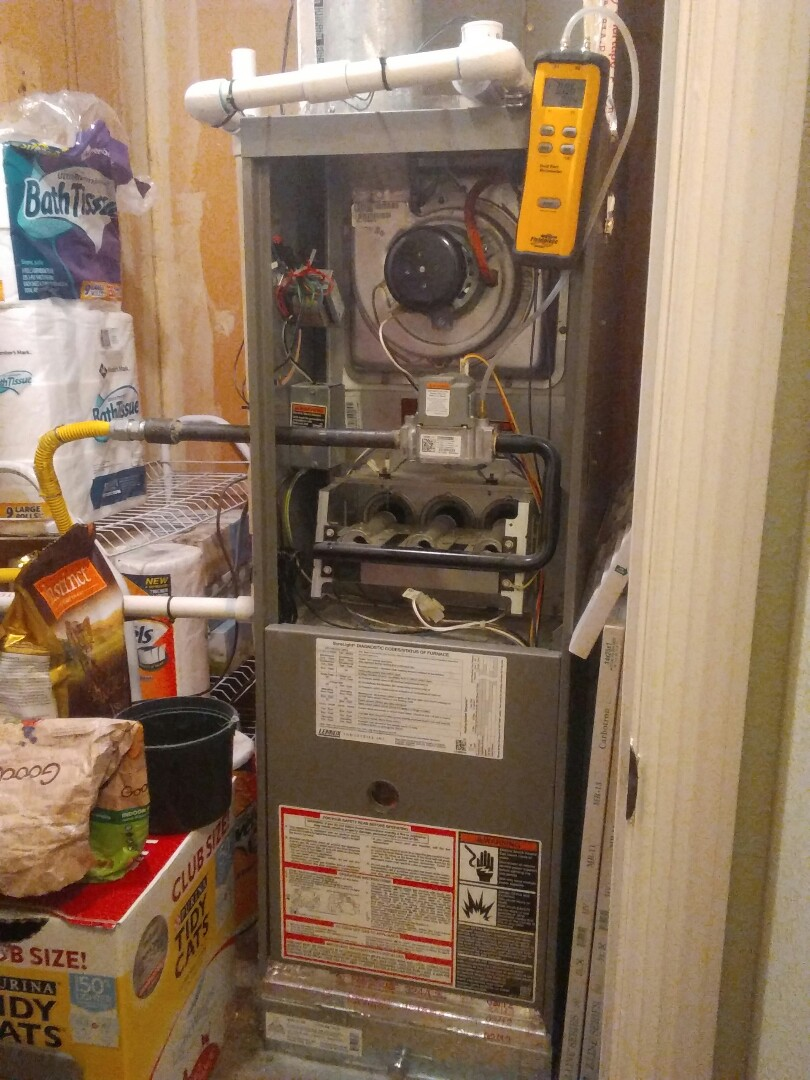 Irving, TX - Winter maintenance on a Lennox furnace