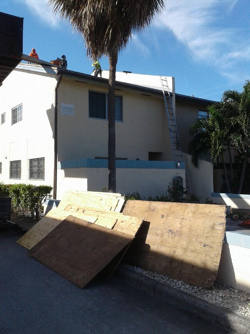 North Miami Beach, FL - Starting a 12sq shingle reroof in North Miami beach, by Earl w Johnston roofing.
