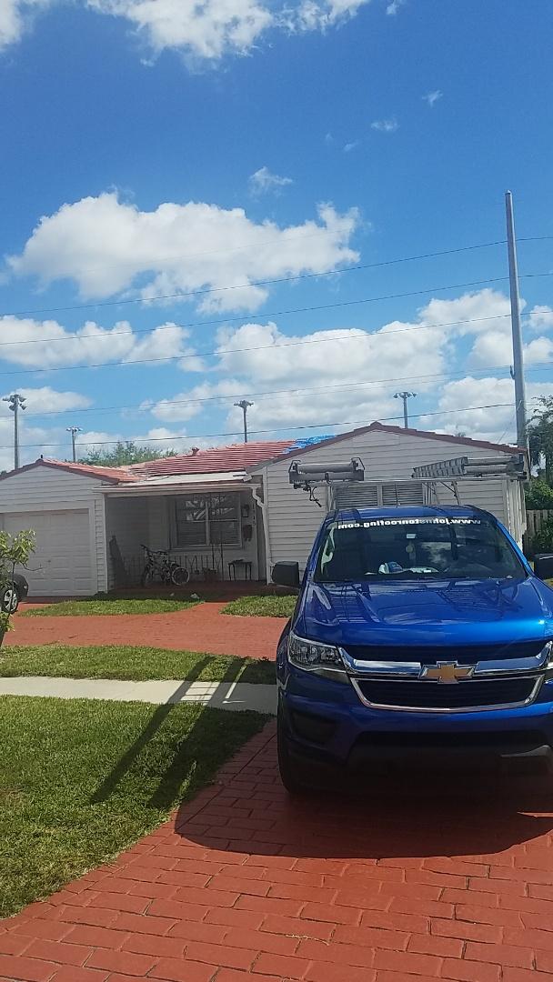 Hollywood, FL - Eagle Malibu tile reroof  and leak repair estimate by Earl Johnston Roofing Company
