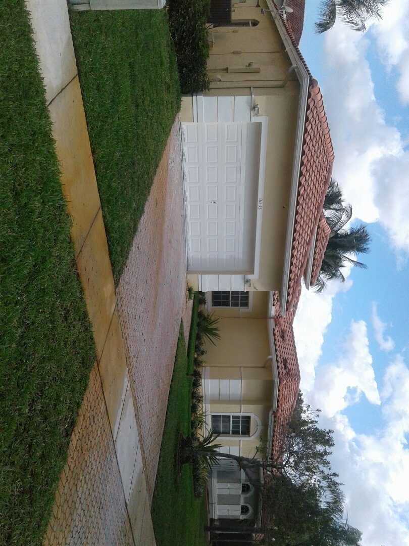 Pembroke Pines, FL - Tile roof repair in the city of Pembroke Pines Florida this repairs being done by Earl W Johnston roofing company