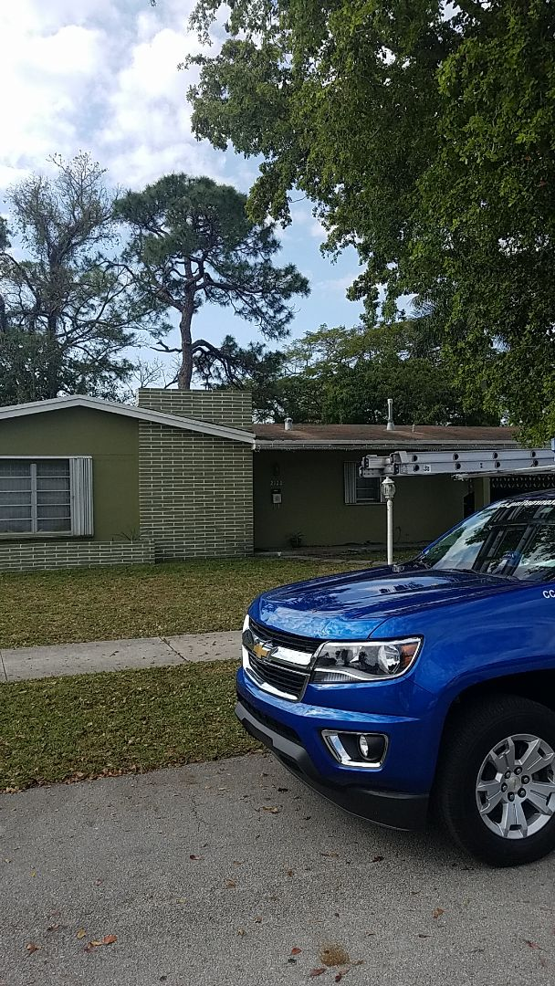 Miami Gardens, FL - Shingle roof leak repair estimate by Earl Johnston Roofing Company