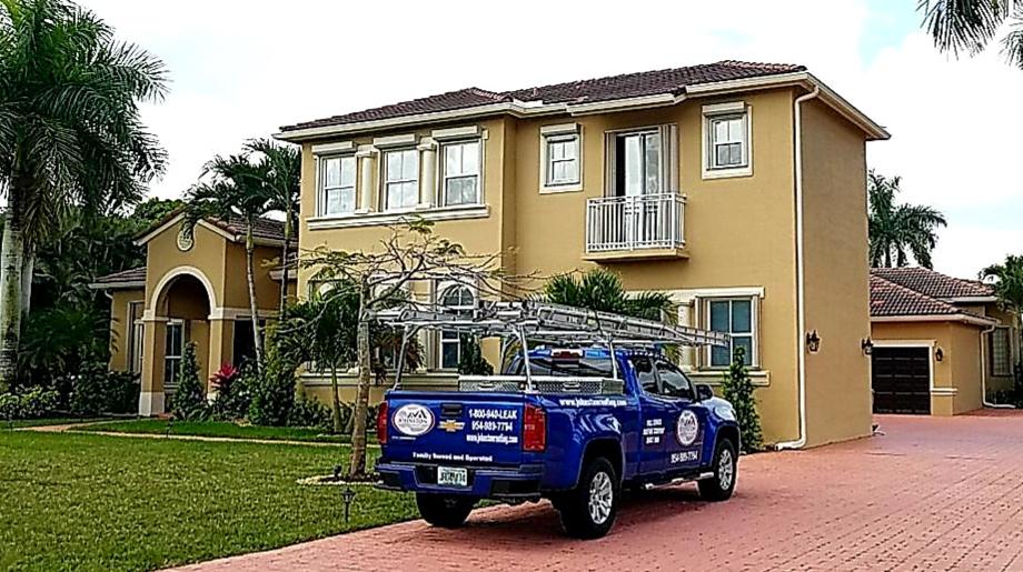 Davie, FL - Tile roof replacement and maintenance estimate in Davie Florida