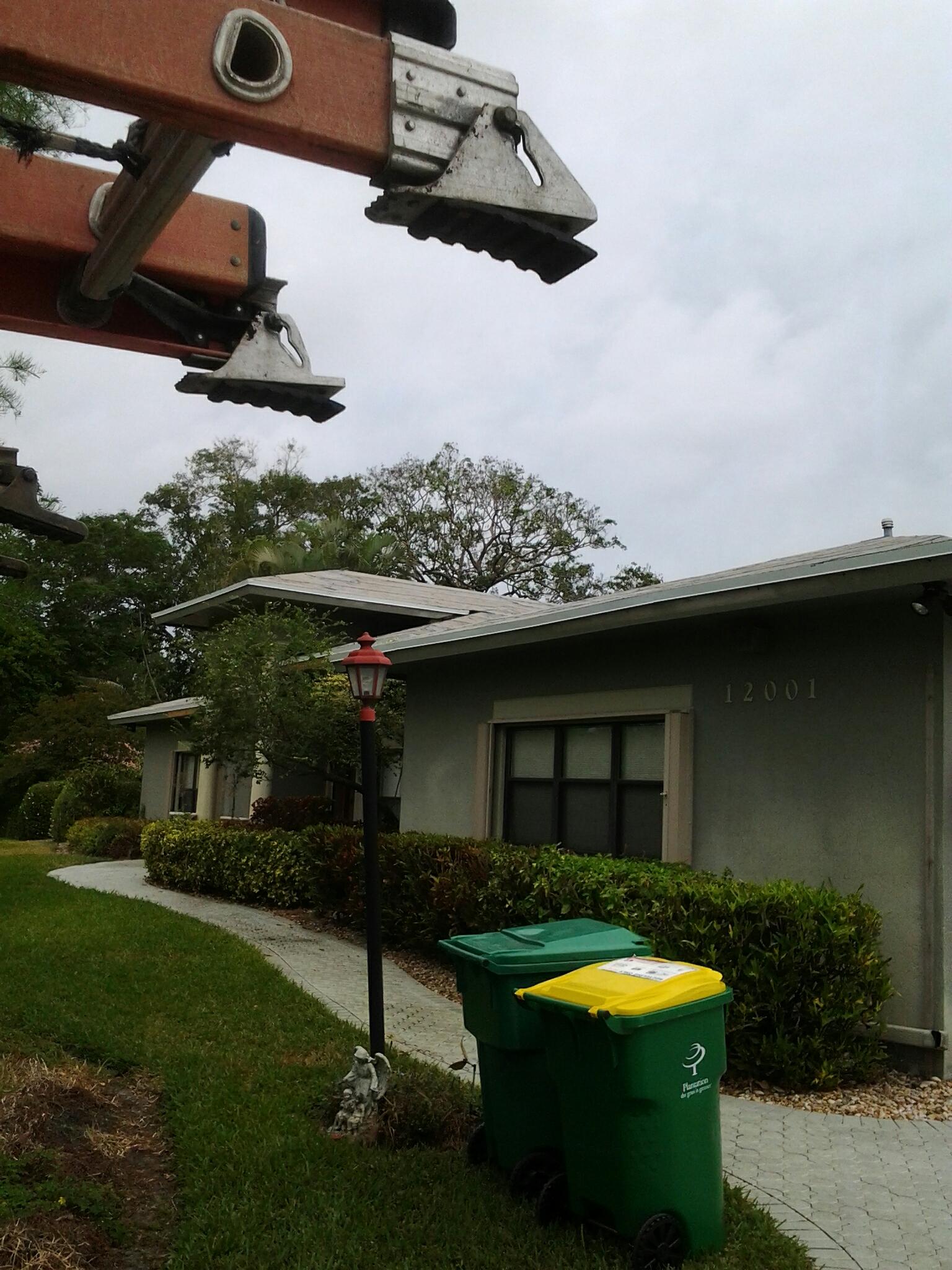 Plantation, FL - Stucco work on roof
