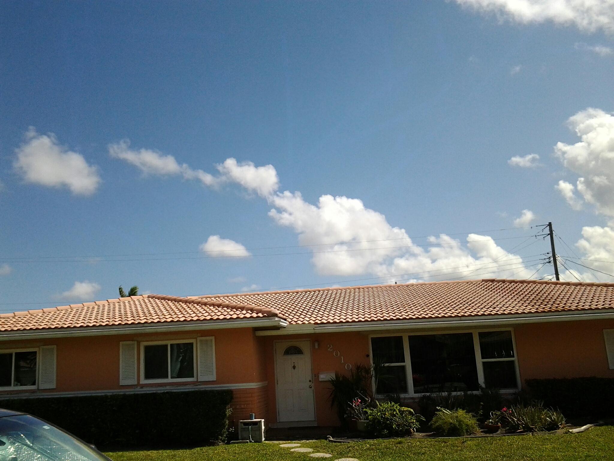 Surfside, FL - Roof acids roof