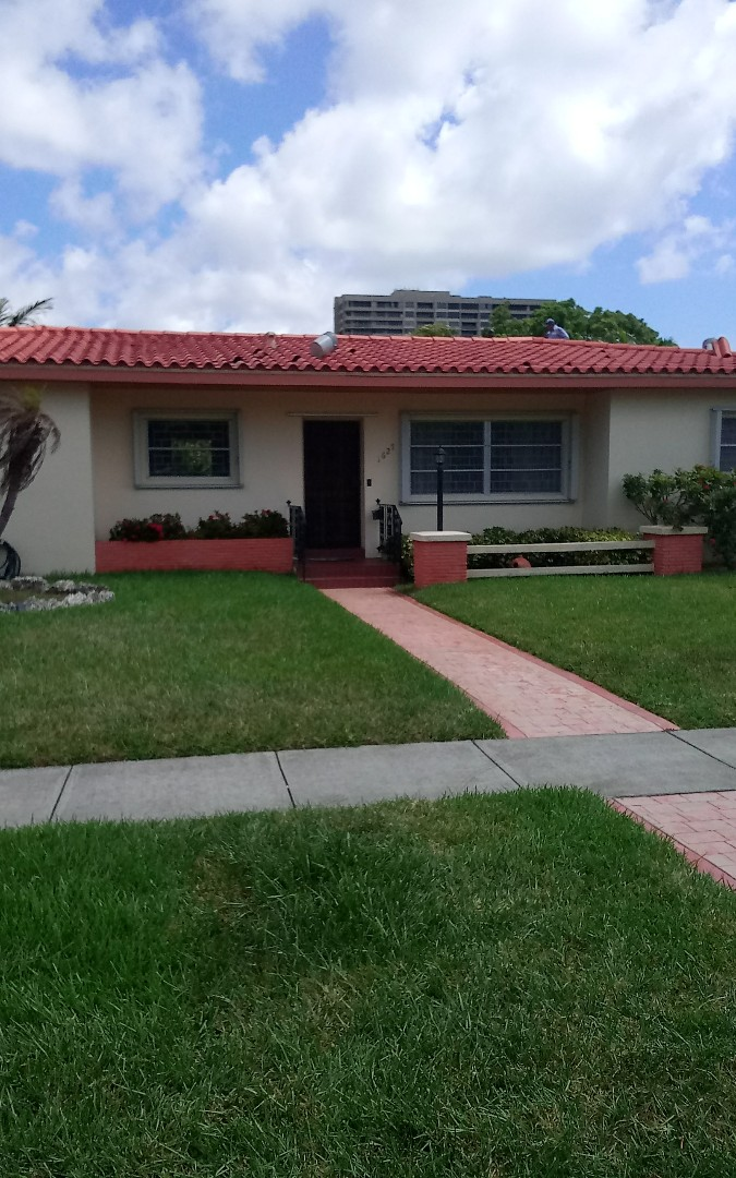 North Miami, FL - Repair tile & valley ,oliver, israel & alexis