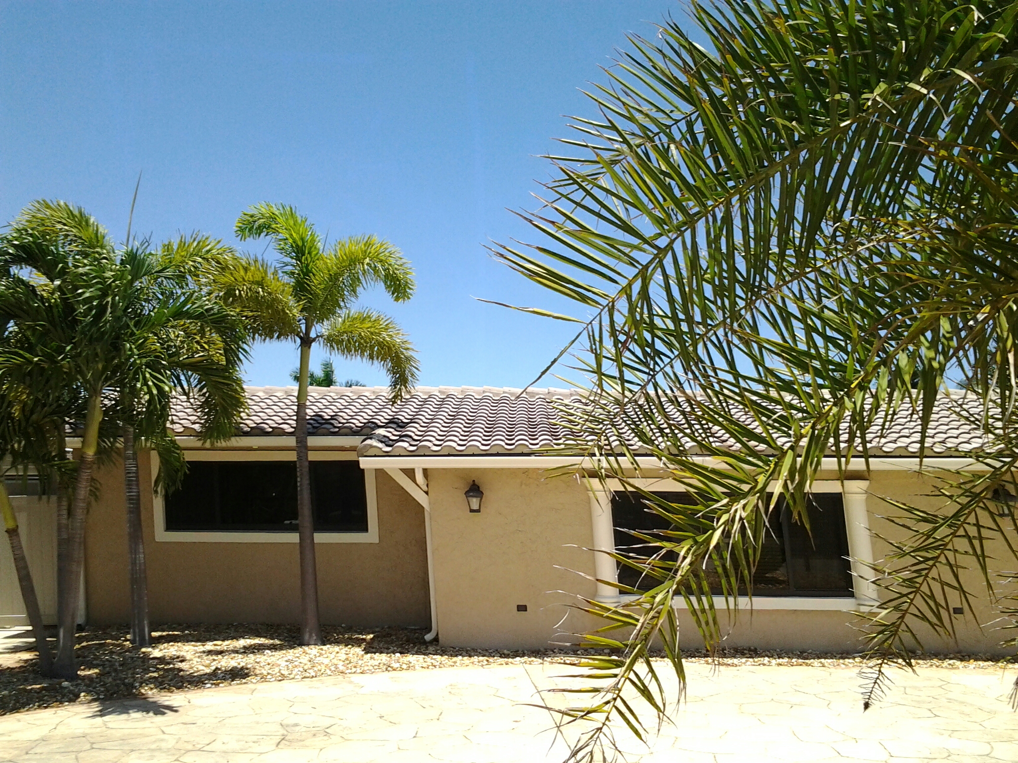 Pompano Beach, FL - Roofacide roof