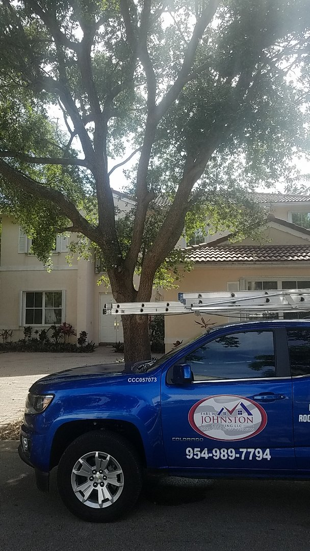 Fort Lauderdale, FL - Tile roof repair estimate by Earl Johnston Roofing Company