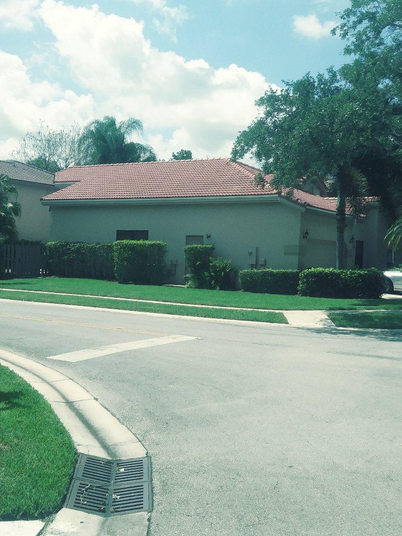 Plantation, FL - Finished eagle concrete roof tile medium profile by earl w Johnston roofing llc