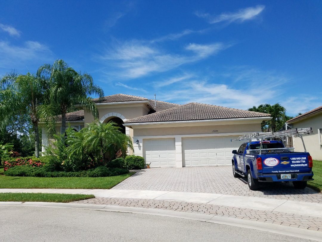 Fort Lauderdale, FL - Tile roof leak repair estimate in Pembroke Pines Florida