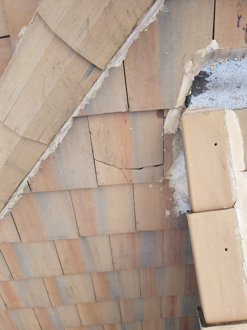 Weston, FL - Broken tile repair estimate in Weston,FL