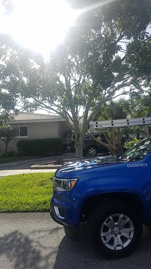 Hollywood, FL - Flat roof leak repair estimate by Aj from Earl Johnston Roofing Company