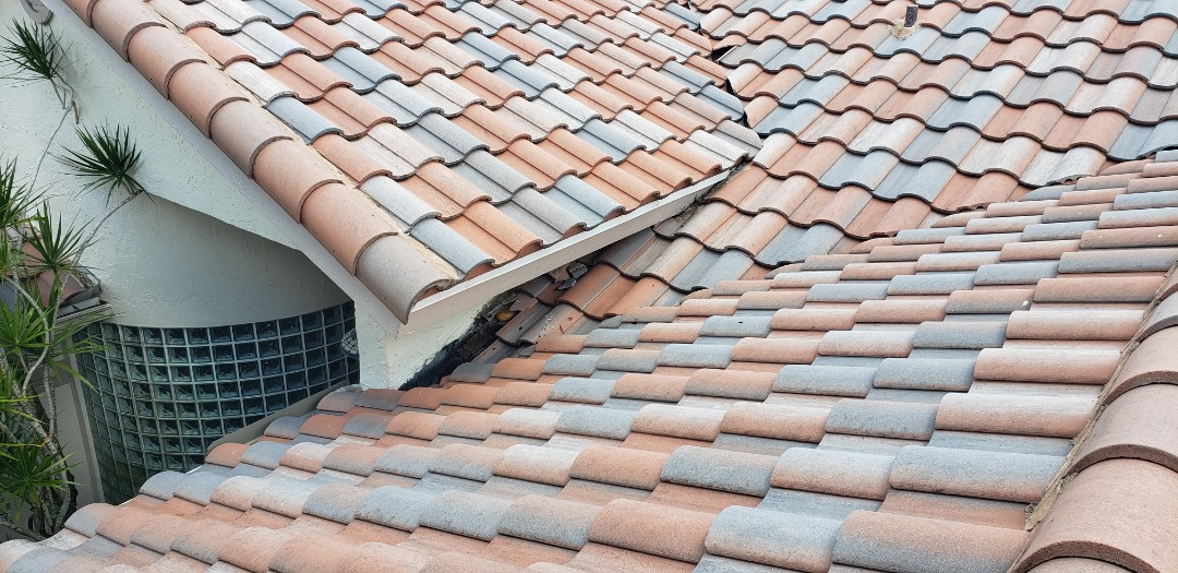 Hollywood, FL - Tile roof leak repair estimate in Cooper City by Mike Wilde of Earl Johnston Roofing