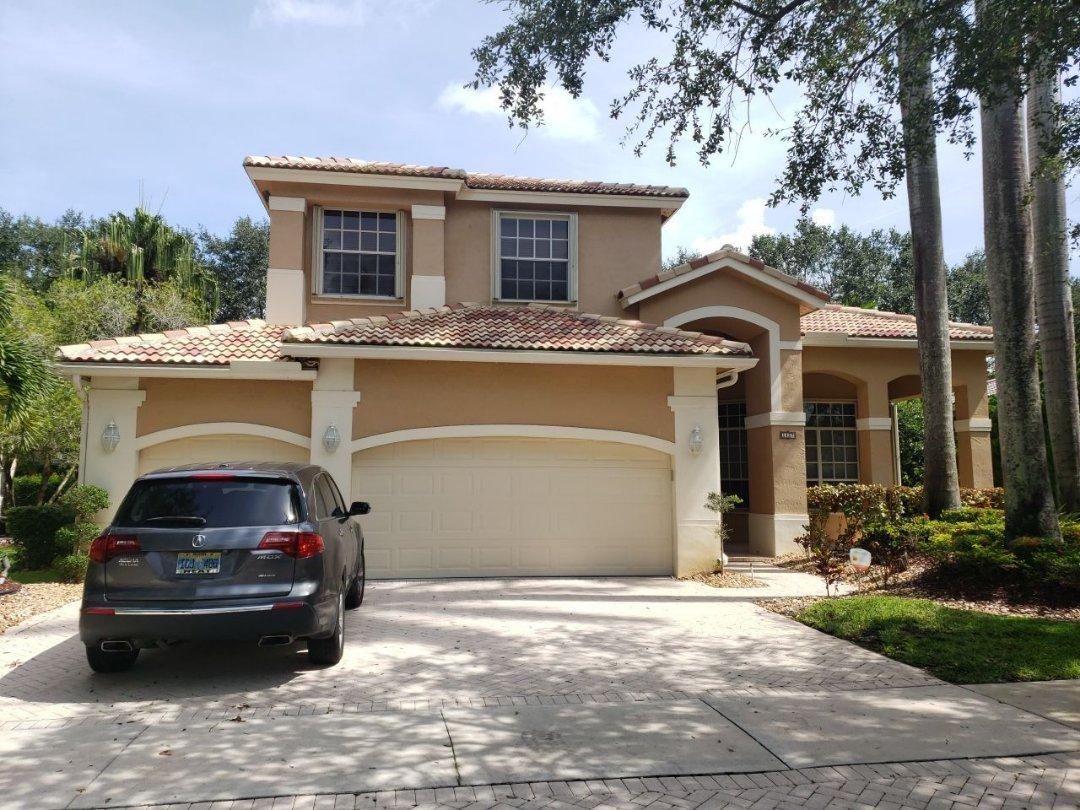 Weston, FL - Tile roof leak repair estimate in Weston,FL