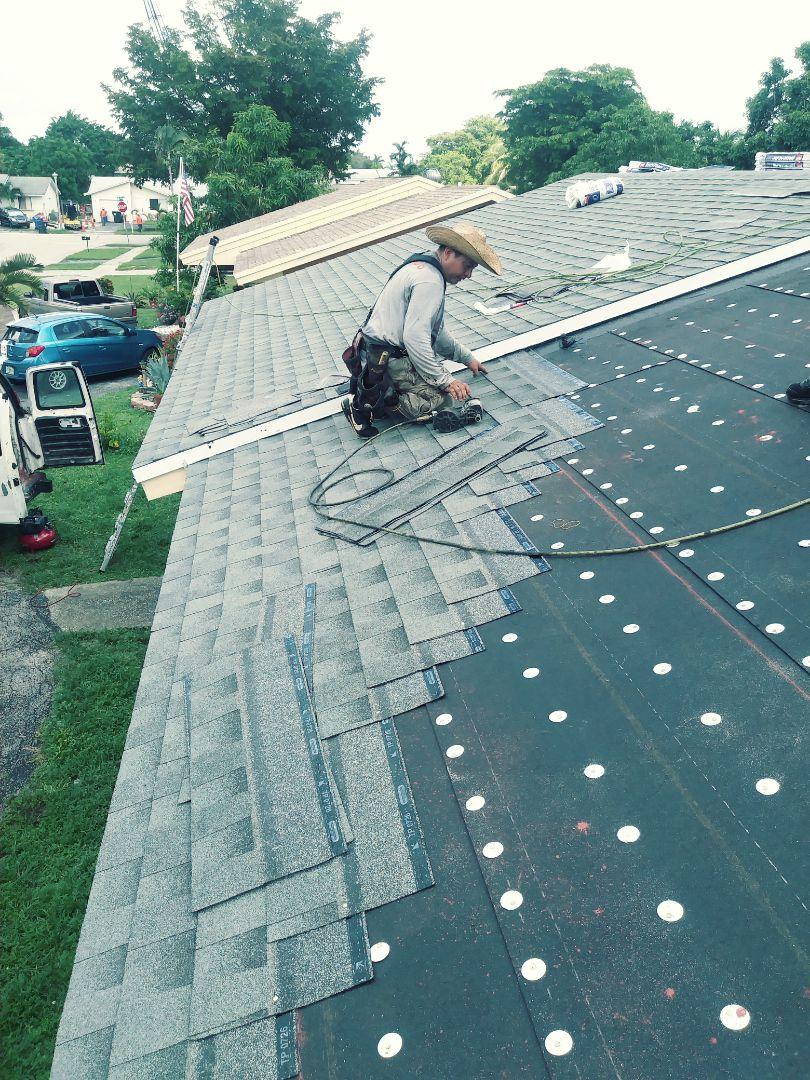 North Lauderdale, FL - Gaf shingles being layed in n.Lauderdale by earl w Johnston roofing