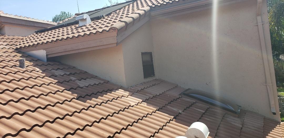 Plantation, FL - Tile roof leak repair estimate in Plantation, FL